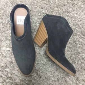 Shoes - Super cute slip on boot shoes
